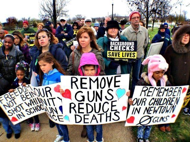 Gun-Control-Rally-Indianapolis-Star-AP-Charlie-Nye-640x480